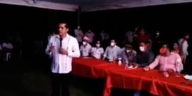 """Líder del PRI realiza evento en pandemia y llama a """"robar poquito"""""""