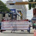 Denuncian que el titutar de la Secretaria de Movilidad y Transporte no les ha querido recibir. Foto: Adriana Santos.