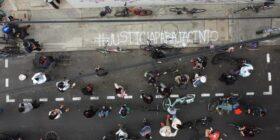 El acto terminó en la representación del Estado de Yucatán, para redoblar la exigencia a la autoridades de la entidad y del municipio de Mérida, donde Jacinto fue atropellado. Foto: Arturo Alvarado.