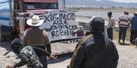Pobladores defienden su pozo de agua y la policía responde con disparos