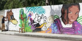 "Marco Alfredo Torres González ""Mother Monkey realizó un mural en San Cristóbal de Las Casas. Cortesía: Ch'ieltik"