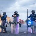 Desalojan y detienen a normalistas de Teteles que se manifestaban en Casa Aguayo