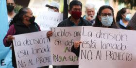 """A punta de gritos, pobladores en Xochimilco rechazan proyecto de """"despojo""""de agua"""