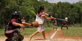 Las Diablitas, el equipo de softbol que hace historia en Tulum, y que autoridades no voltean a ver