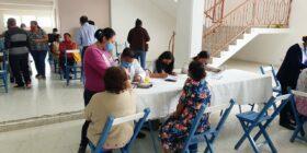 Vacunación a personas mayores de las diferentes comunidades de La Trinitaria. Cortesía: H. Ayuntamiento La Trinitaria 2018-2021.