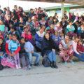 A través del crédito pobladores y pobladoras del ejido de Veracruz, municipio de Las Margaritas, participan en la esfera del dinero. Foto: Gobierno municipal de Las Margaritas.
