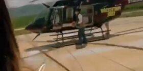 La influencer posa en una aeronave en el hangar de la Secretaría de Protección Civil.