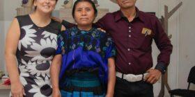 Maruca Méndez Méndez, presidenta municipal electa de Mitontic, acompañada de Janette Ovando Reazol, presidenta estatal de Fuerza por México, Cortesía: Fuerza X México Chiapas.